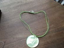CHIC ACID GREEN BEADED CORD NECKLACE SHINY CIRCLE PENDANT SILVER PLATED CATCH